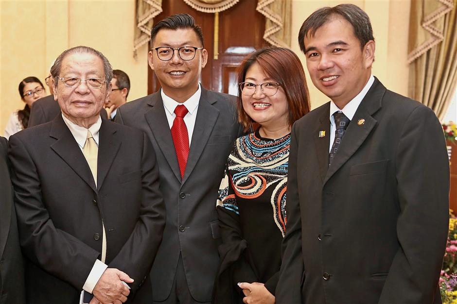(From left) Iskandar Puteri MP Lim Kit Siang, Komtar assemblyman Teh Lai Heng, Sungai Pinang assemblyman Lim Siew Khim and Bagan Jermal assemblyman Soon Lip Chee posing before Chow's swearing-in ceremony as CM.
