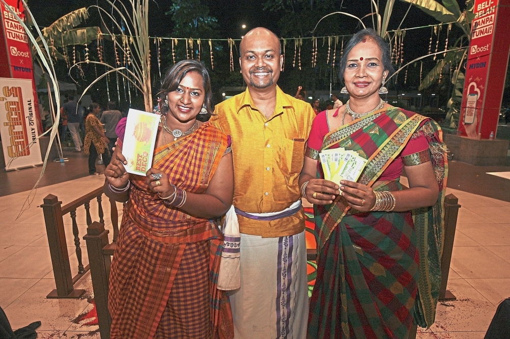 (From left) Nithyavani, Hari and Krishnaveni won in the 'Best Decoration' category.