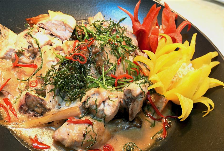 The White Percik Chicken is a variation from the usual orange and yellow-hued versions of this much-loved Kelantan dish.