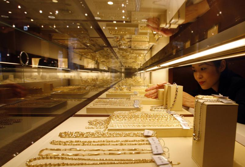 Total gold consumption in China in the first quarter of 2014 was 322.99 tonnes, up 2.45 tonnes from year ago - Reuters Photo.