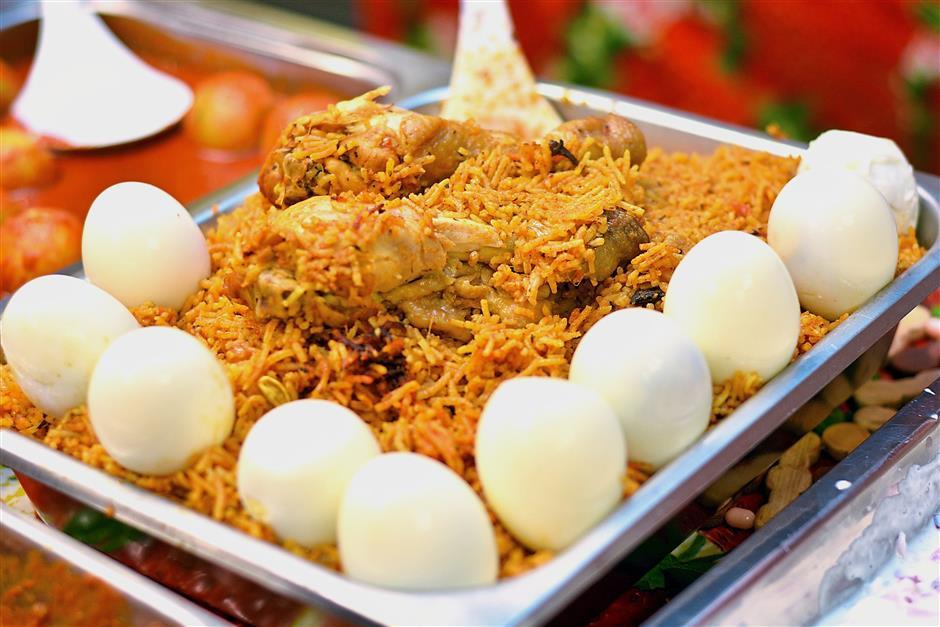 Hyderabad chicken briyani is a once a week affair at Punjabi Cha Wala.