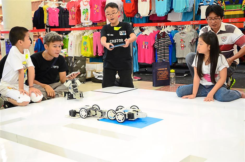 The company's kits help children learn about robotics through play.