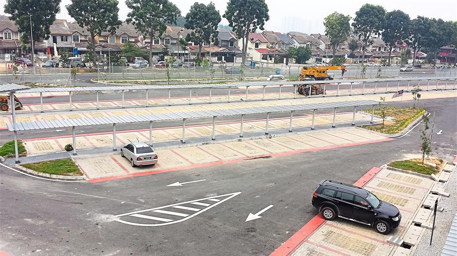 Prasarana has built a dedicated park-and-ride facility at the BK5 LRT station.