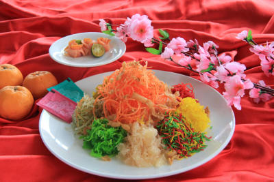 For good fortune: The Prosperity Salmon Yee Sang is rich in condiments.
