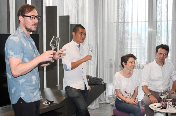 (From left) Ivanovic and Ong conducting the Tipsy Chocolate masterclass at W Kuala Lumpur.