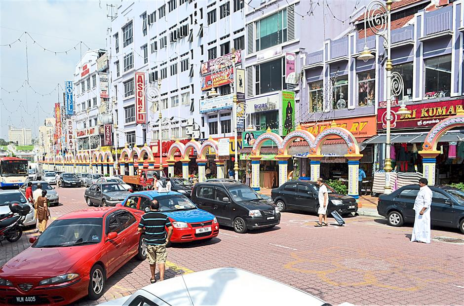 Little India served as a small tourist attraction in Brickfields aside from visiting the temples.