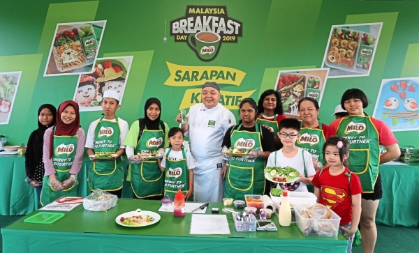 Chef Muluk (centre) with participants of the creative breakfast session.