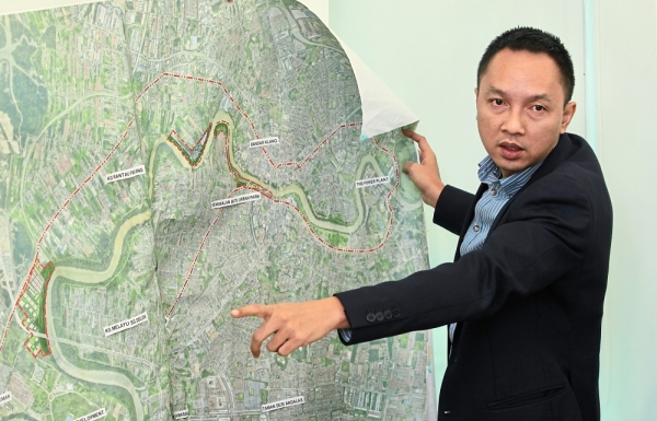 Syaiful says the first phase of the Selangor Gateway Project will be completed next year.