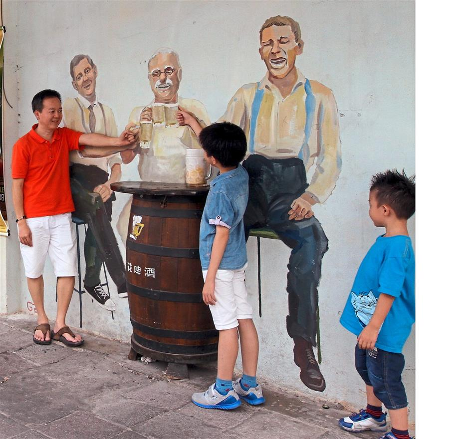 Mural art along concubine lane at Yun Wah restaurant famous for its frost beer.RONNIE CHIN/The Star