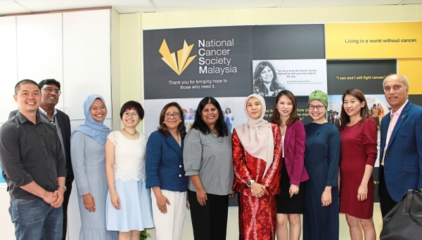 Nurul Izzah (fifth from right) with members from Roche, NCSM and the Young Cancer Survivors group.
