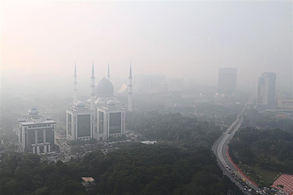 Haze not only cause watery eyes, blurred vision and breathing difficulties; it can cause deaths too. — Filepic