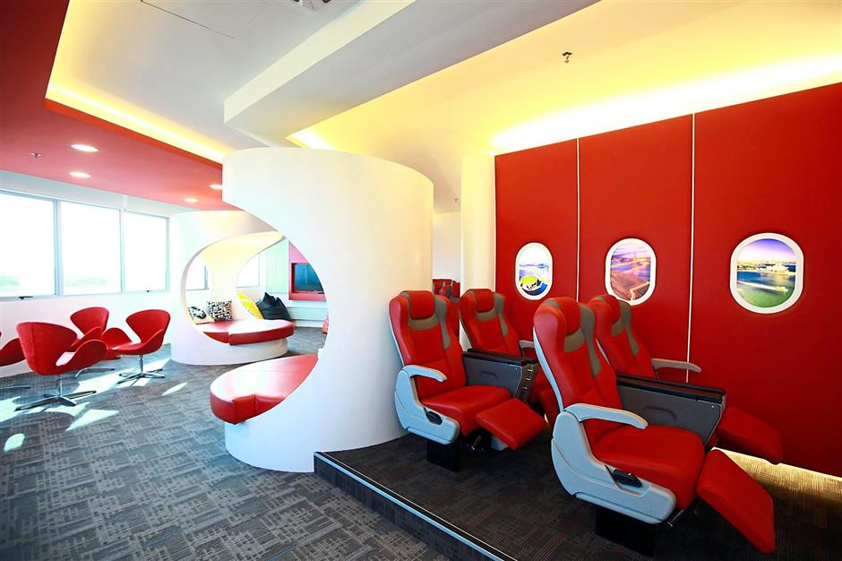 ALC College feeder campus student lounge at One Logistics Hub is very much travel-inspired.