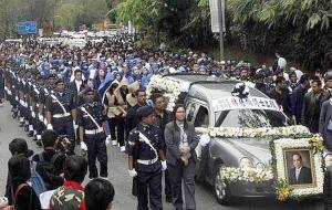 10 000 Bid Farewell To Lim Goh Tong The Star