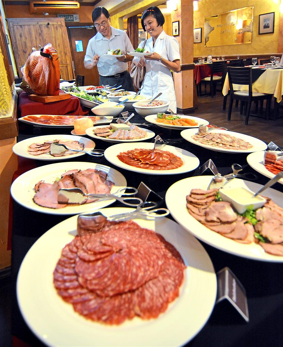 El Cerdo offers something for everyone with its wide selections of dishes.