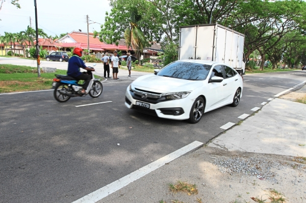 Residents living near this junction have witnessed at least 50 to 60 accidents at the Jalan Serunai 1 and Jalan Seruling 39 junction in Taman Klang Jaya.