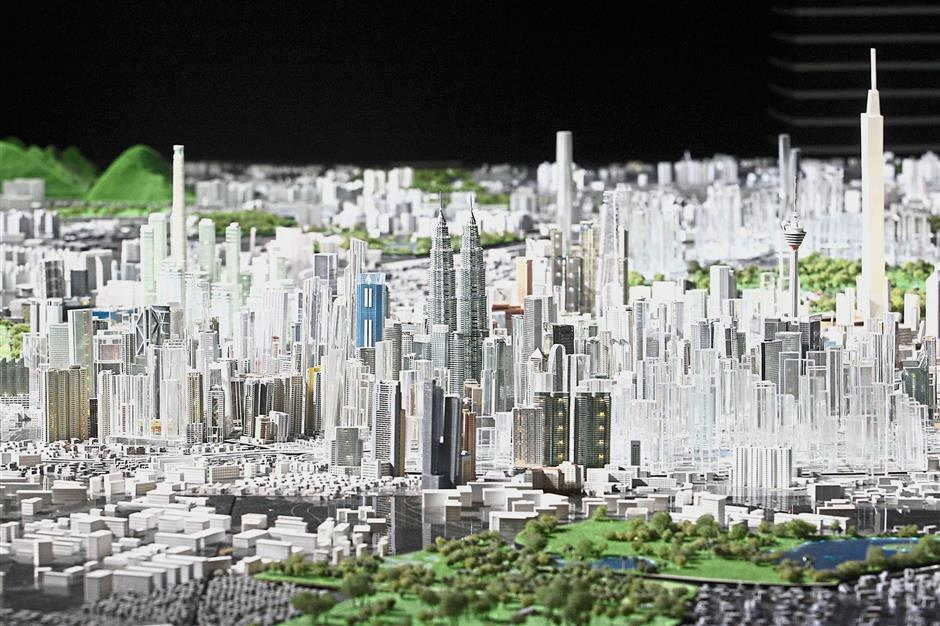 The Spectacular City Model Show is a handmade replica produced at the scale of 1:1500 based on the actual size of the city's buildings. The model was completed within a year by 100 model makers and is a must-see at the gallery.