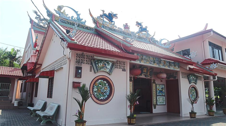 Beautiful: The 89-year-old Tian Hu Gong temple is one of the oldest structures in the area and is dedicated to Nazha, or the Third Prince in Buddhist and Taoist beliefs.