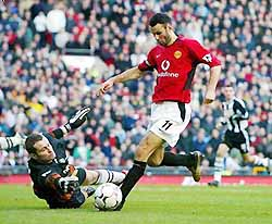 f_pg37giggs