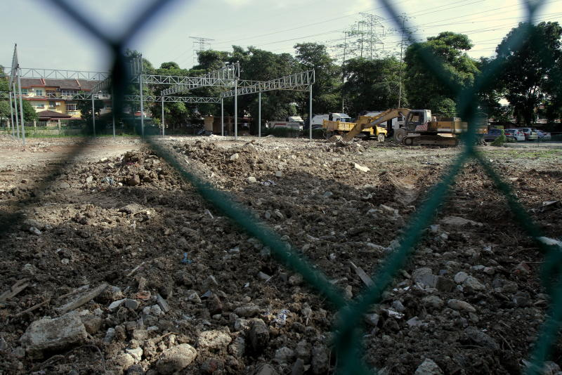 Taman Fadason residents are calling for the land to be kept as a green lung for residents as because of a lack of recreational community spaces in the area. Photo by : YAP CHEE HONG/TheStar