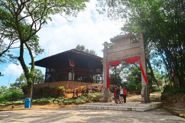 Putuo Village is one of numerous attractions in Kulai town.
