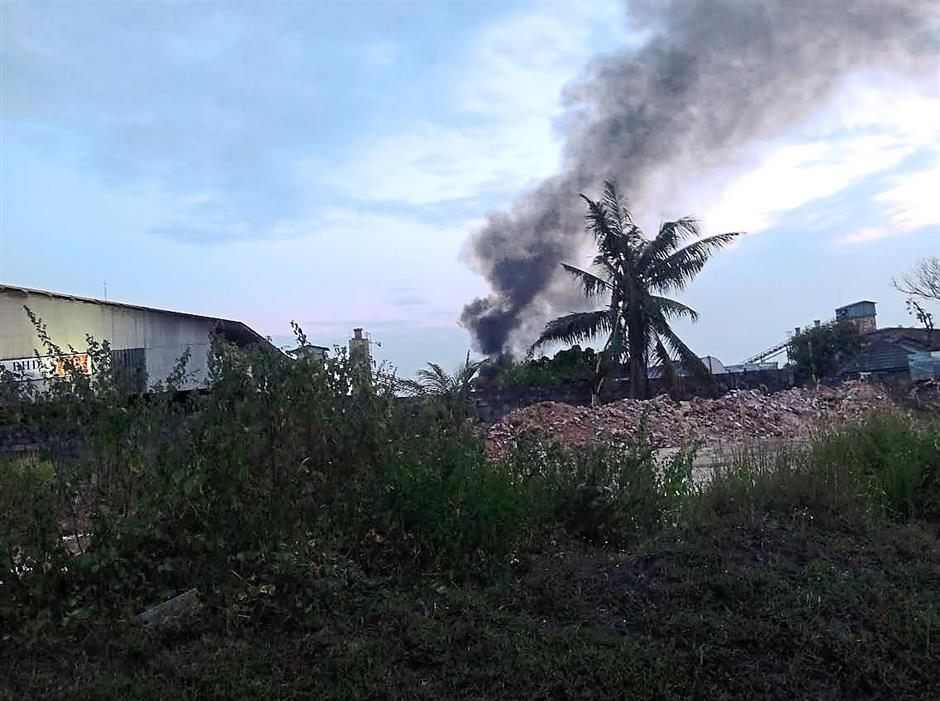 Bandar Seri Botani residents have had to put up with awful pollution, such as smoke billowing from a tyre factory in Simpang Pulai.