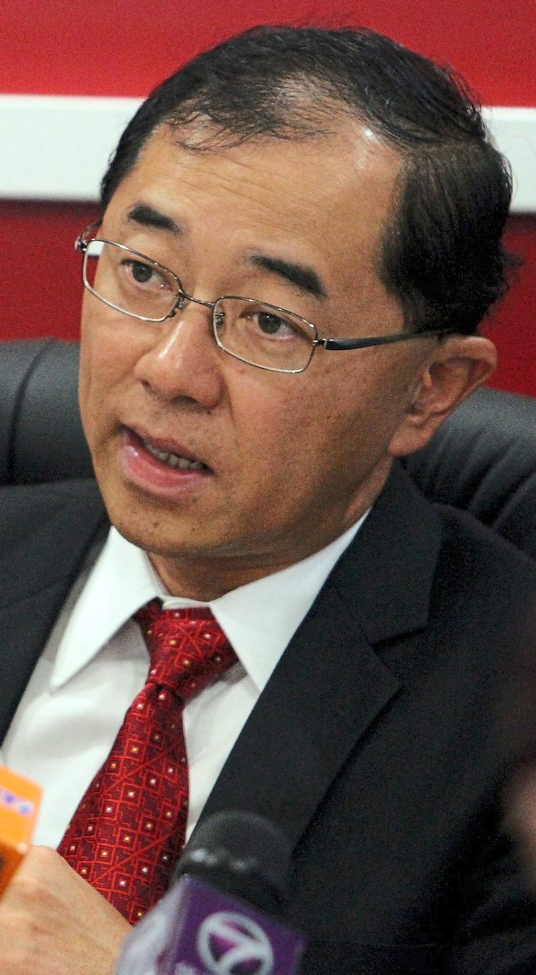 Perak MCA chief Datuk Dr Mah Hang Soon, who initiated the plantation deal, is helping Semangat Suwa apply for tax waiver on revenue from its Gunung Besout venture.