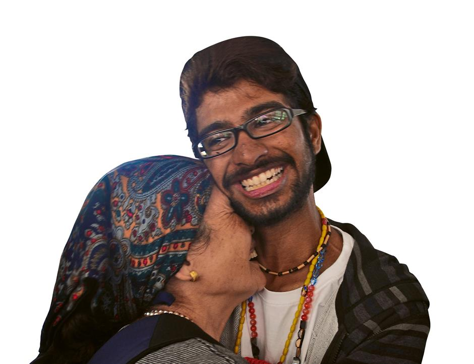 Close bond: Satesh Raj sharing a sweet moment with tepuq Sina Ribed.