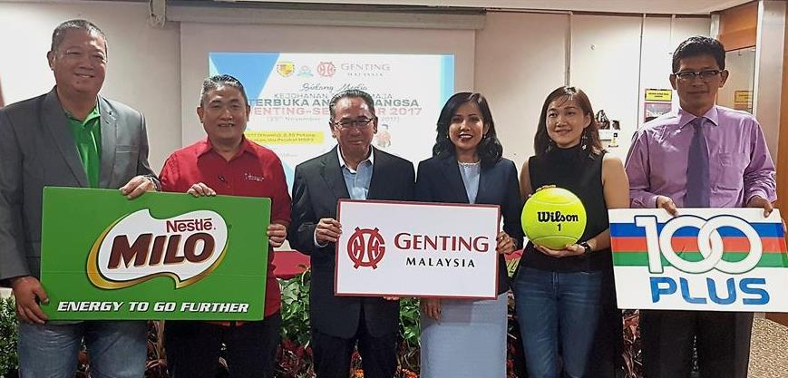(From left) Nestle Milo Sports Marketing manager Ng Ping Loong, STA president Datuk Mohamad Taufik Omar, Petaling Jaya mayor Datuk Mohd Azizi Mohd Zain, Genting Malaysia Bhd Corporate Relations and Communications vice-president Datuk Seri Kay Prakash, Amer Sports (M) Sdn Bhd Marketing manager Ng Chin Chin and F&B Beverages Marketing Sdn Bhd Events and Sponsors manager Muhammad Fauzi Ahmad at the launch of the tournament.