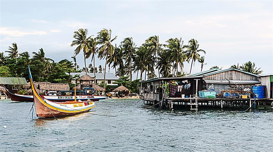 Mabul island is an idyllic off Sabah's east coast. The sea around the island is good fishing ground for gae fish like trevallies, dorados, tunas and mackerels.