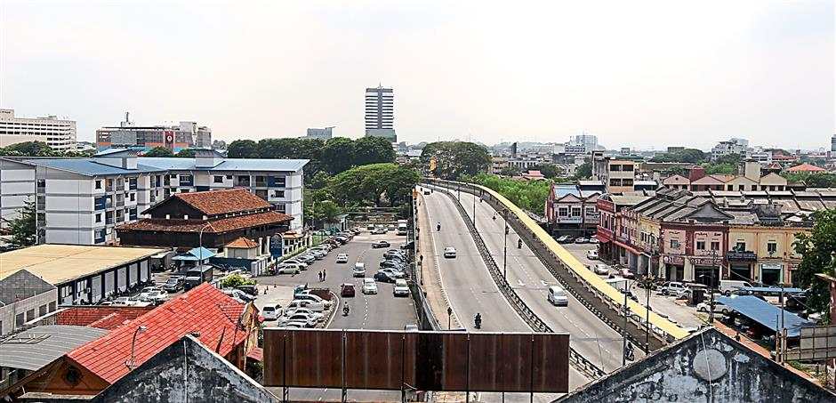 An overview of the Jambatan Musaedin on Klang south where the proposed LRT3 line is to be run and a station is to be built adjacent to the bridge.