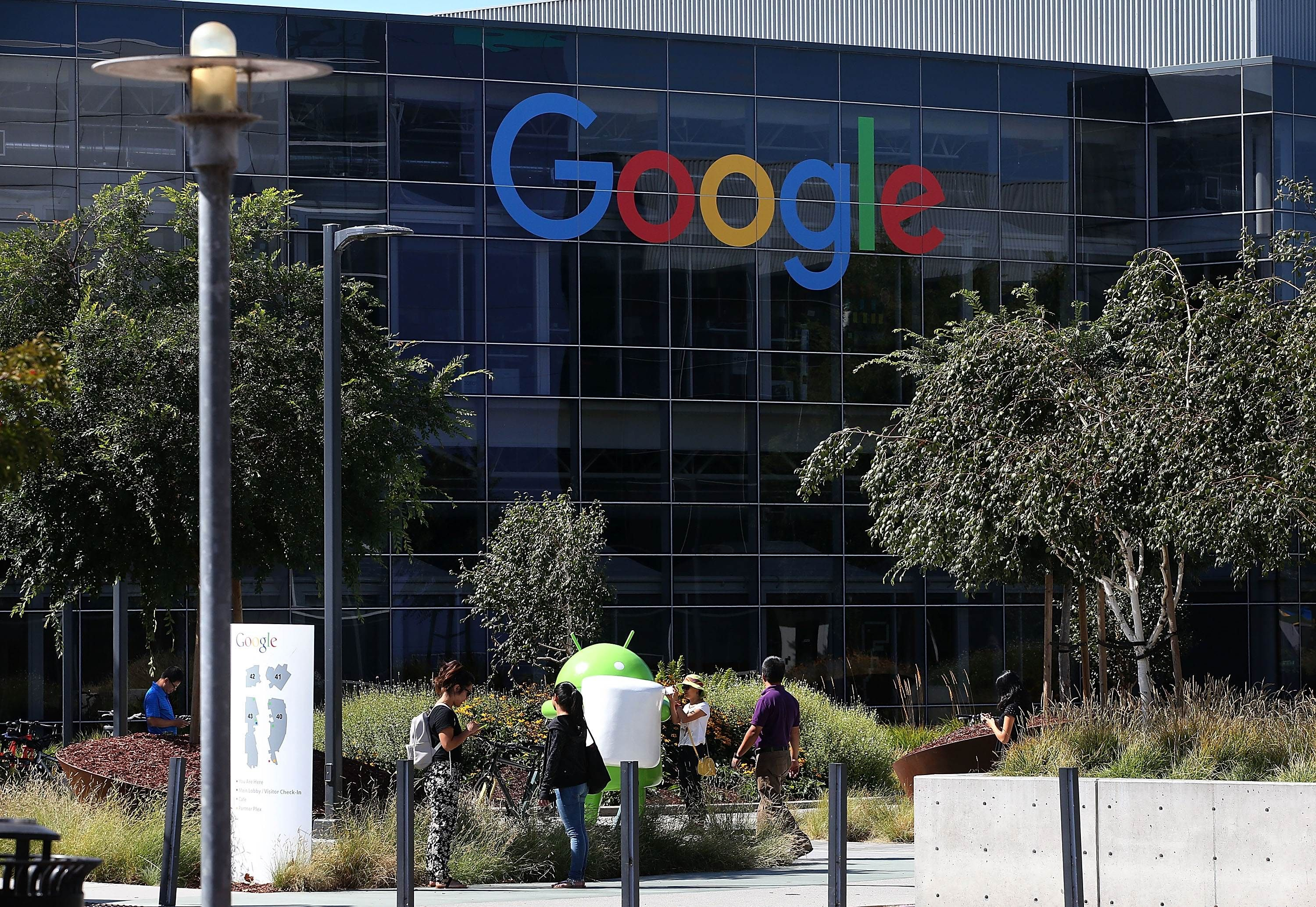 MOUNTAIN VIEW, CA - SEPTEMBER 02: The new Google logo is displayed at the Google headquarters on September 2, 2015 in Mountain View, California. Google has made the most dramatic change to their logo since 1999 and have replaced their signature serif font with a new typeface called Product Sans.   Justin Sullivan/Getty Images/AFP == FOR NEWSPAPERS, INTERNET, TELCOS & TELEVISION USE ONLY ==