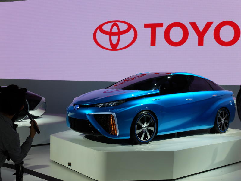 Japan bets big on making fuel-cell cars a near-future
