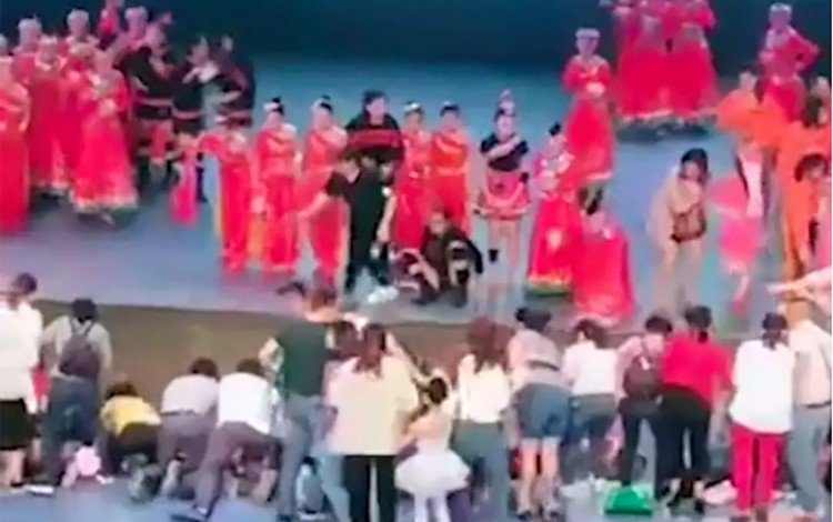 Chinese teenager dies after stage collapses during dance audition