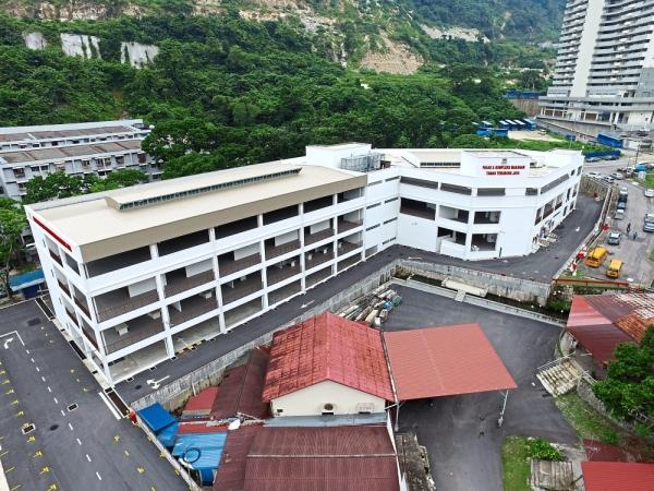 The sprawling new Taman Terubong Jaya hawker centre and market almost ready to serve the Paya Terubong community.