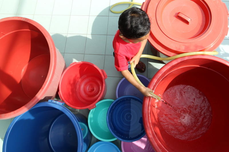 Residents of the Klang Valley were not pleased when water disruption occurred a few days before Christmas