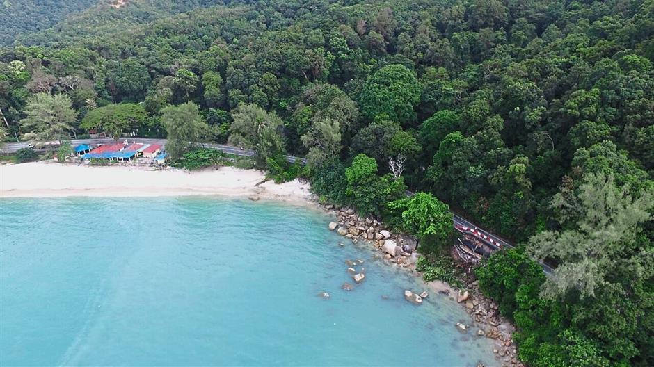 Aerial picture of the emerald sea between Batu Ferringhi and Teluk Bahang taken on Nov 8, 2016. drone pix by CHAN BOON KAI / The Star/8 Nov 2016.