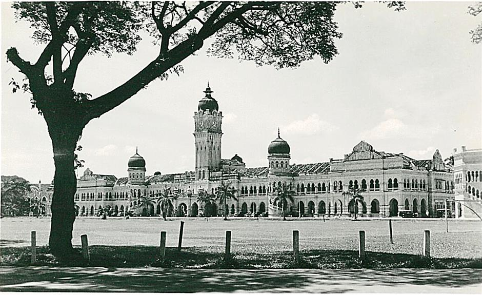 The Sultan Ismail Building in 1947. - Photo from Rosemary Palmer