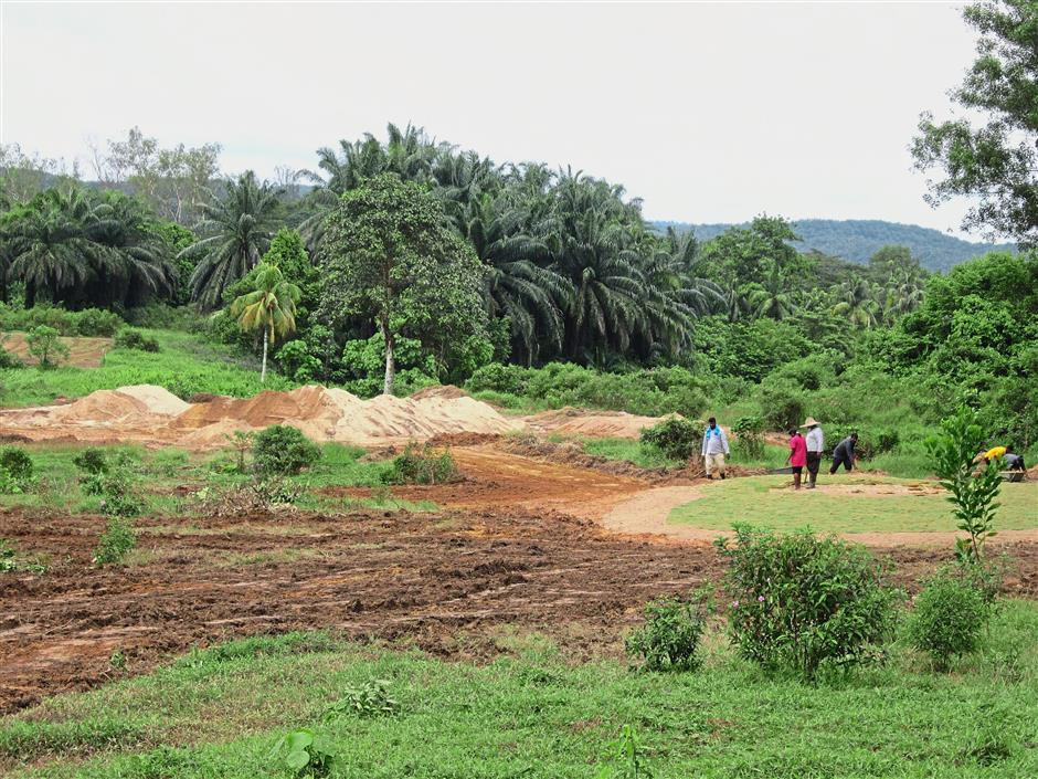 The 18-hole Serendah Golf Resort is being turned into a nine-hole course by its new owners.