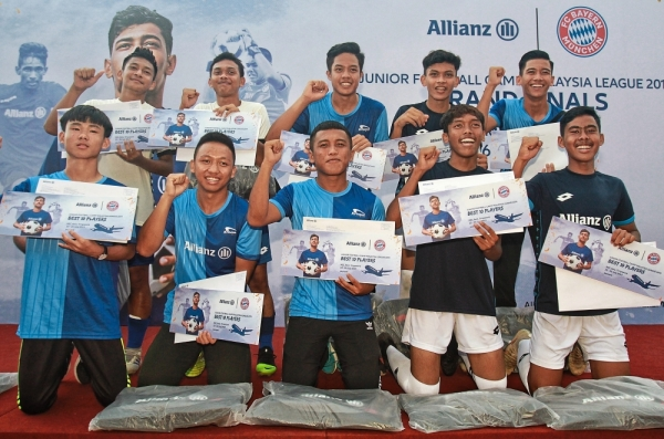 The 10 players who have been selected to represent Malaysia in the AEC Football Edition Asia.