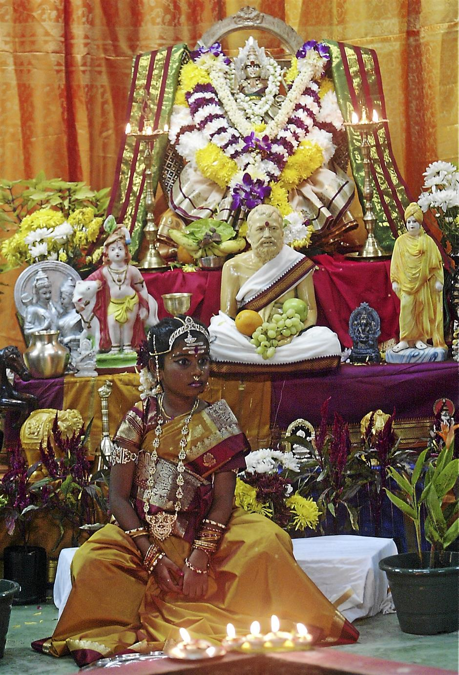 Chinese and Hindus pray and celebrate festivals for nine days | The