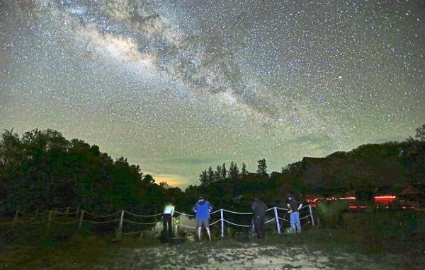 Light and dust pollution-free, the Milky Way can be seen with the naked eye in Kudat.
