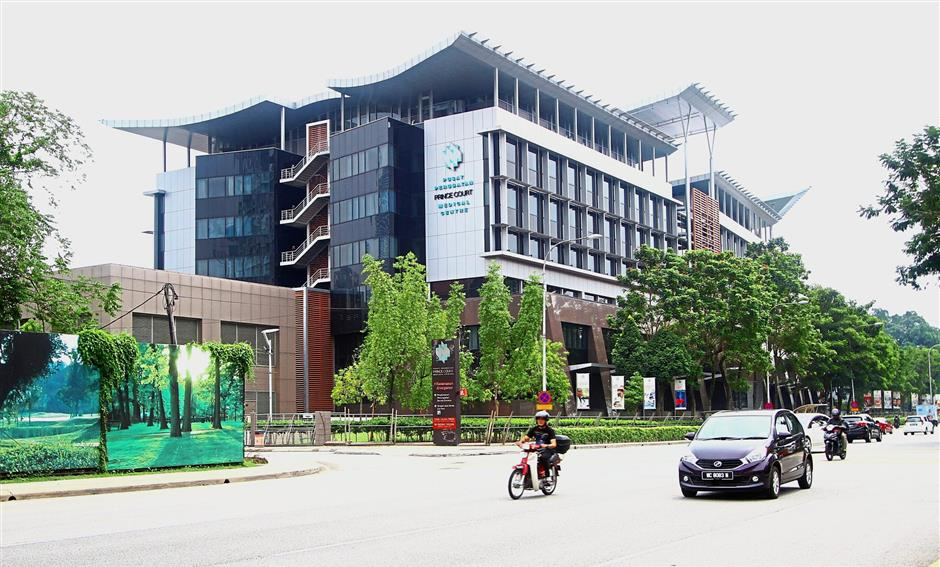 Facilities like the Prince Court Medical Centre along Jalan Kia Peng make the area more attractive for investors.