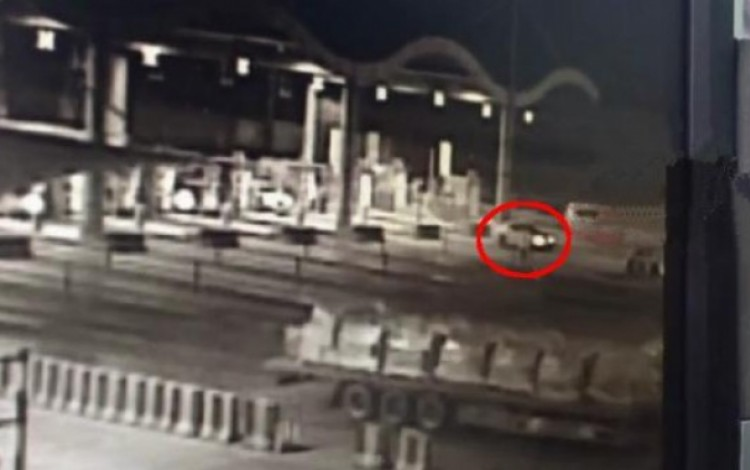 Chinese driver hurtles down highway in unstoppable car after