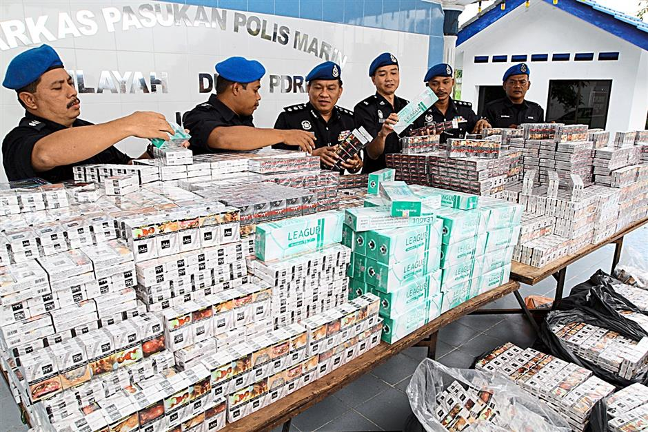 Cops bring to surface new tactic by cigarette smugglers | The Star