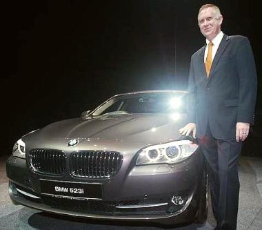 BMW unveils new BMW 5 series   The Star Online