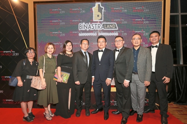 Binastra Land Sdn Bhd project director Tan Jian Shen (fourth from right) with his team at the awards ceremony. The team went home jubilant as they were awarded The Art of Life Award (Best Lifestyle Development) for the Trion @ KL project.