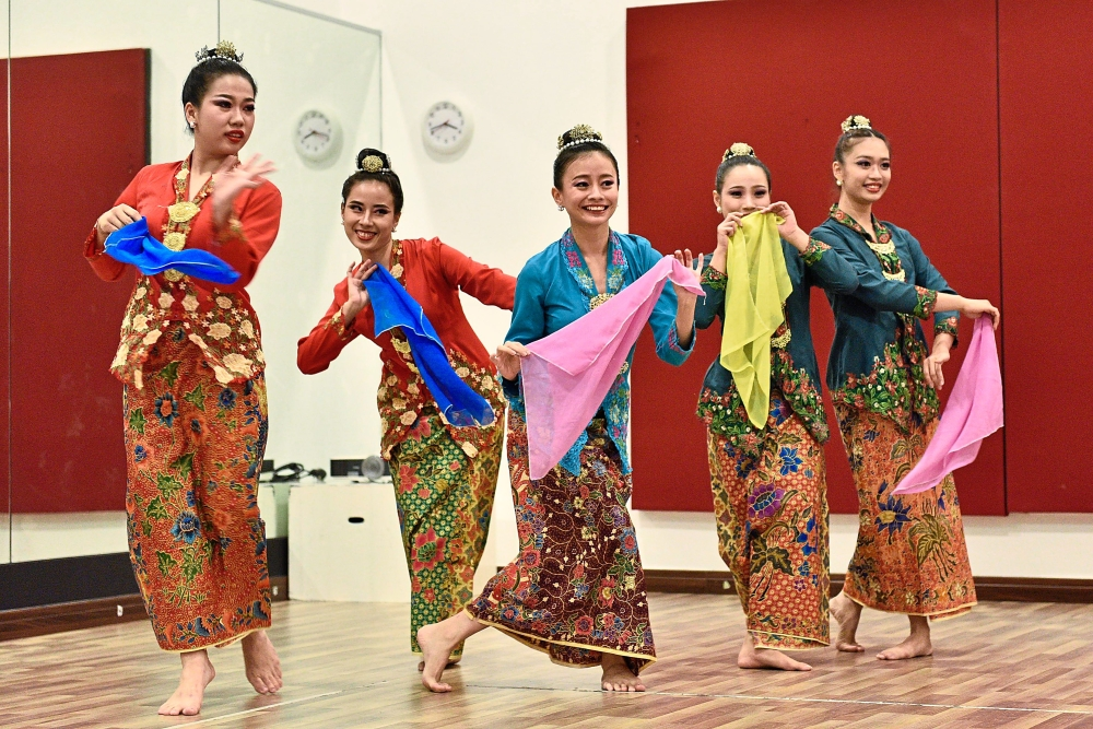 The dancers performing a Baba Nyonya-inspired dance at Penangpac in Straits Quay, Penang. — Photos: GARY CHEN/The Star