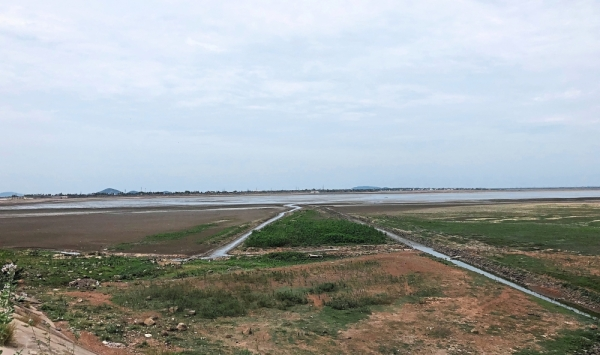 Fast disappearing: Chennai's main reservoirs, including Chembarambakkam --a perennial source of water-  are becoming bone dry.