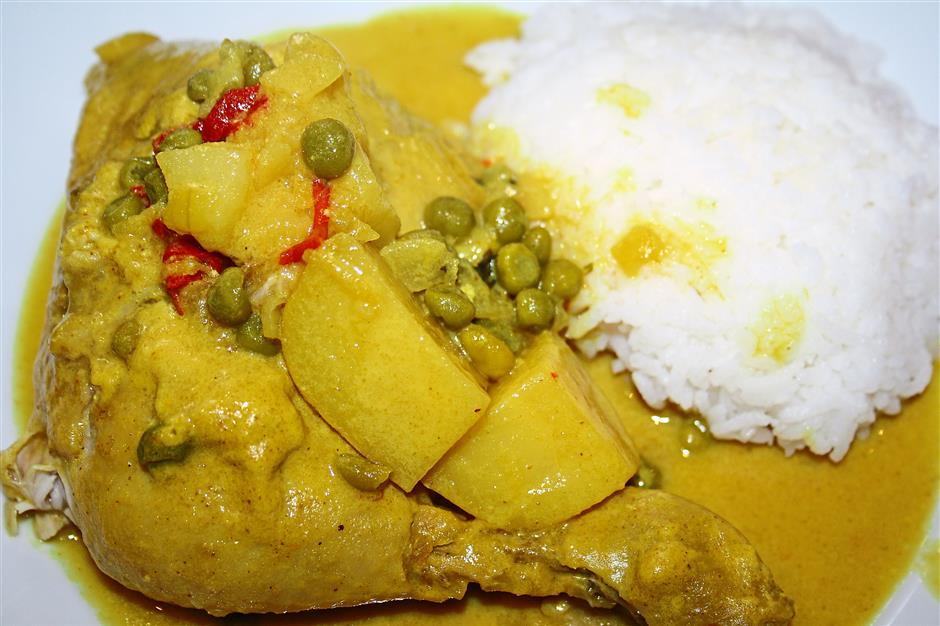Gastronomic: Bachelor Chicken Curry is named after a traditional folklore.