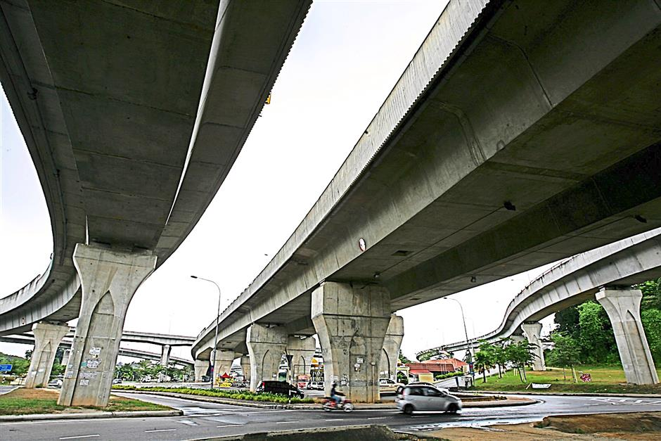 Recently built flyovers which form part of the Seremban Middle Ring Road project. The construction of the MRR allows people to travel faster between points in Seremban which has become congested due to heavy traffic and a sharp increase in population. UU BAN/The Star